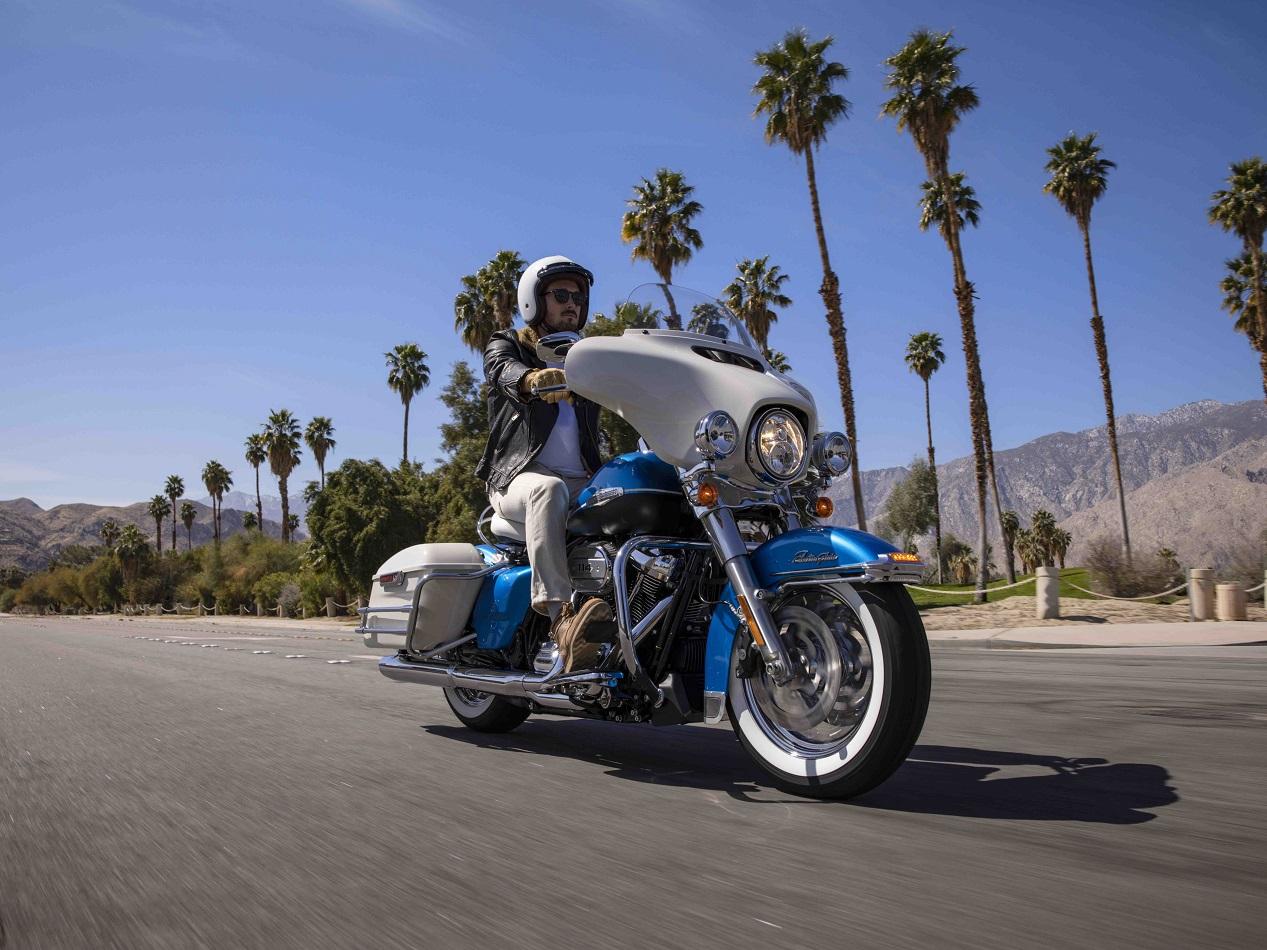 Harley-Davidson Electra Glide Revival sur la route