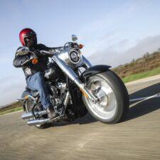 Essai de la gamme Softail Harley-Davidson : le Fat Boy reste le plus bestial