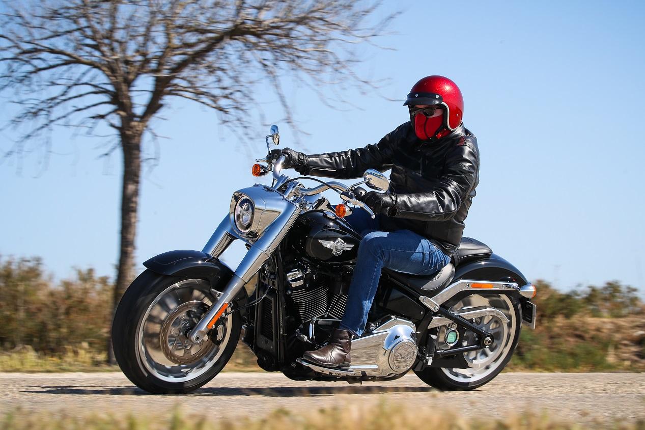Harley-Davidson Fat Boy 2021 sur la route