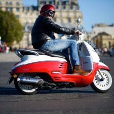 Le stationnement des 2 roues sera payant à Paris dès 2022
