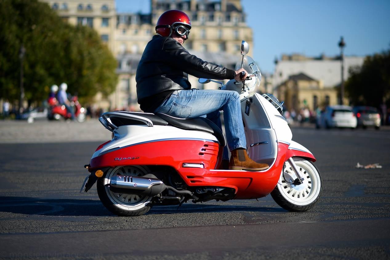 Peugeot Django dans Paris