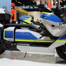 BMW Motorrad présente deux premières mondiales au salon Milipol 2021.
